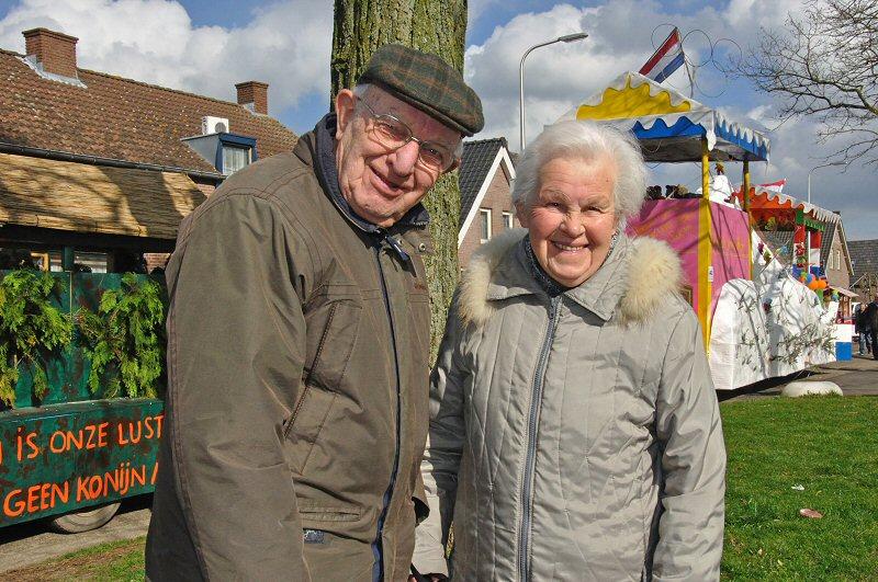 Gouden Huwelijksjubileum fam. de Vaan: www.heusdeninbeeld.nl/devaan.html